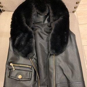 Juicy Couture size 3T leather vest w/ fur collar